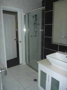 972 Green Tee Tce - Bathroom